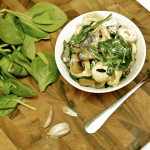 Quick and Easy Tortellini with Spinach, Mushrooms and Goat Cheese