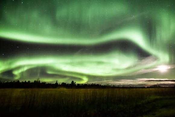 aurora-borealis-from-october-september-2012-alberta-canada_60470_600x450