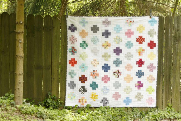 Modern Log Cabin Cross Quilt001