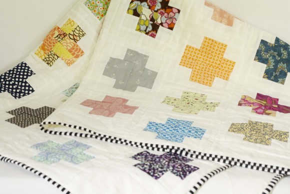Modern Log Cabin Cross Quilt007