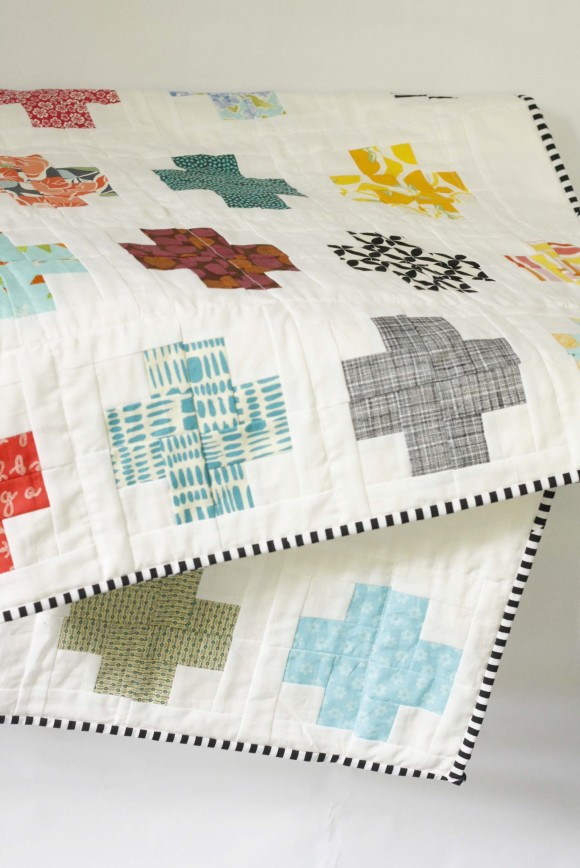 Modern Log Cabin Cross Quilt009