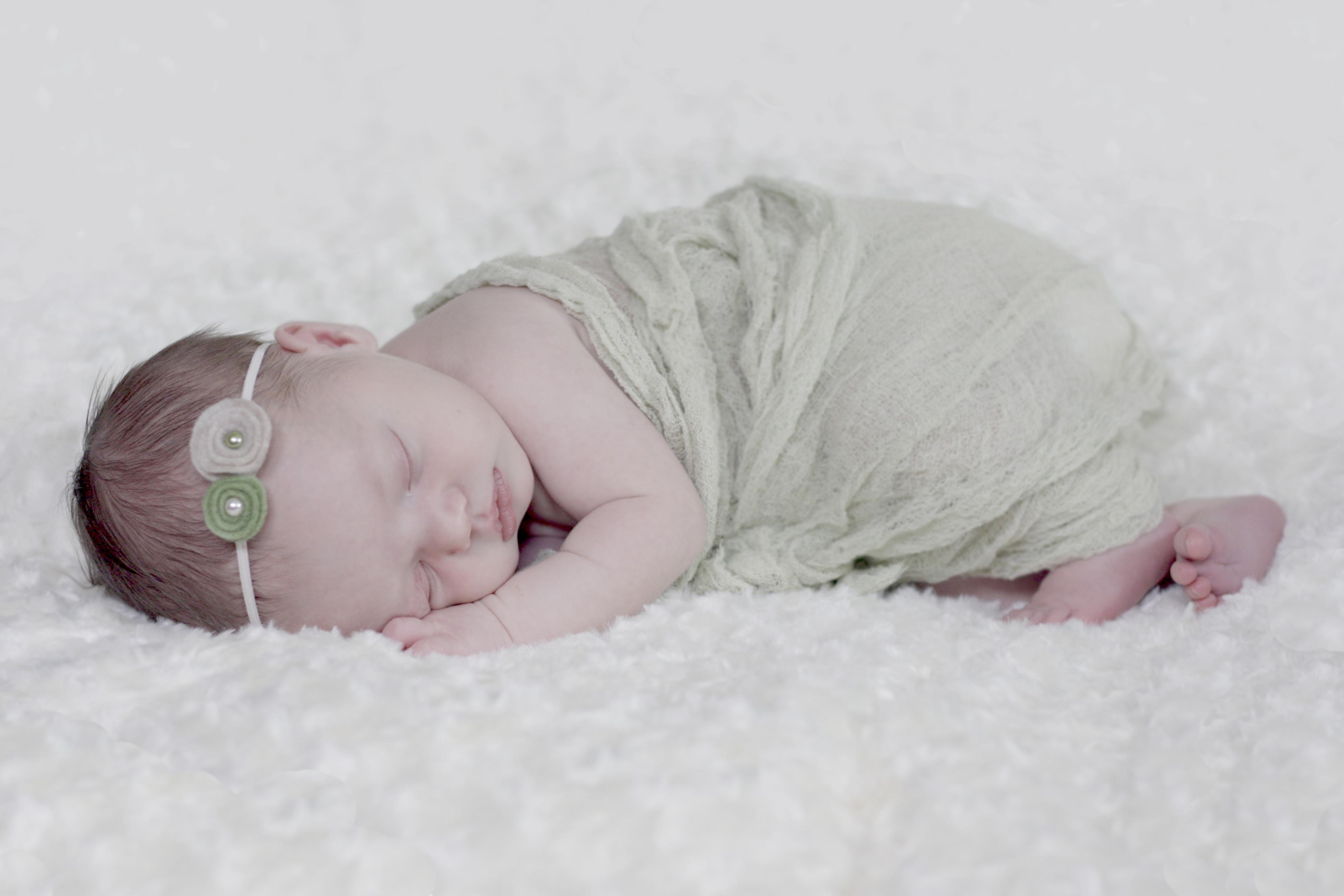 Pittsburgh Newborn Photographer :: Baby Regan