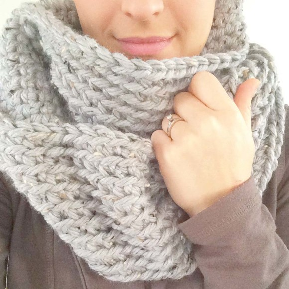 Chunky Crochet Infinity Scarf004