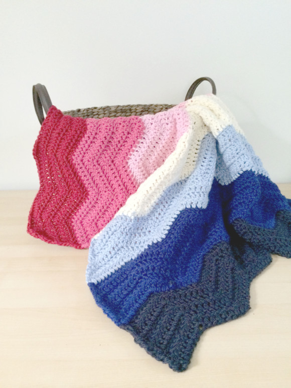 crochet chevron blanket pink and blue005