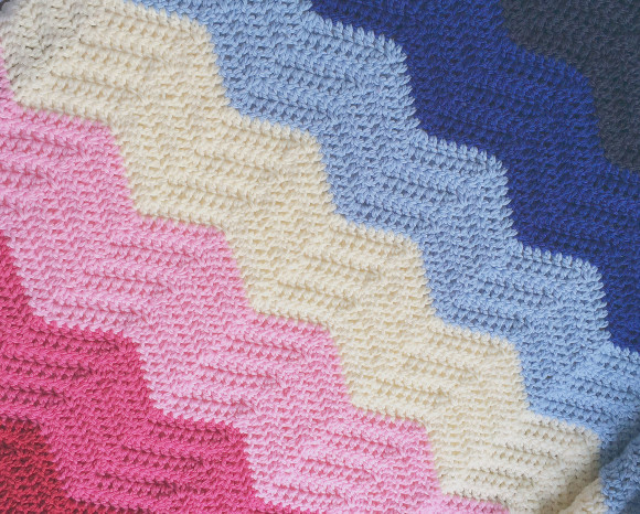 crochet chevron blanket pink and blue007