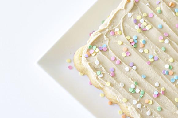Ultimate Vanilla Cake05