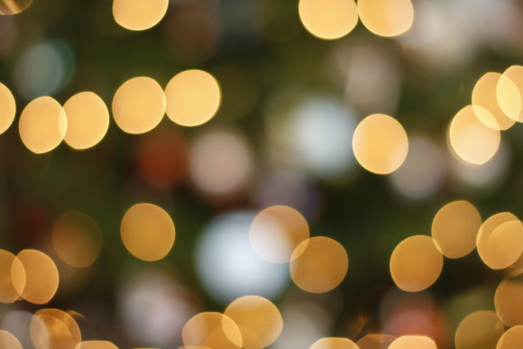 3 Tips for Blurry Christmas Light Pictures!