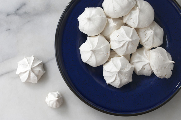 Simple-Vanilla-Meringues-6