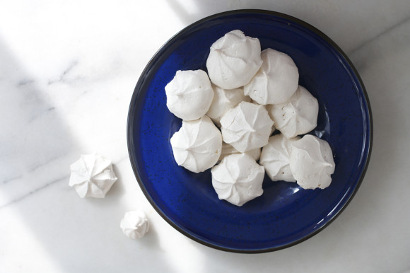 Simple-Vanilla-Meringues-7