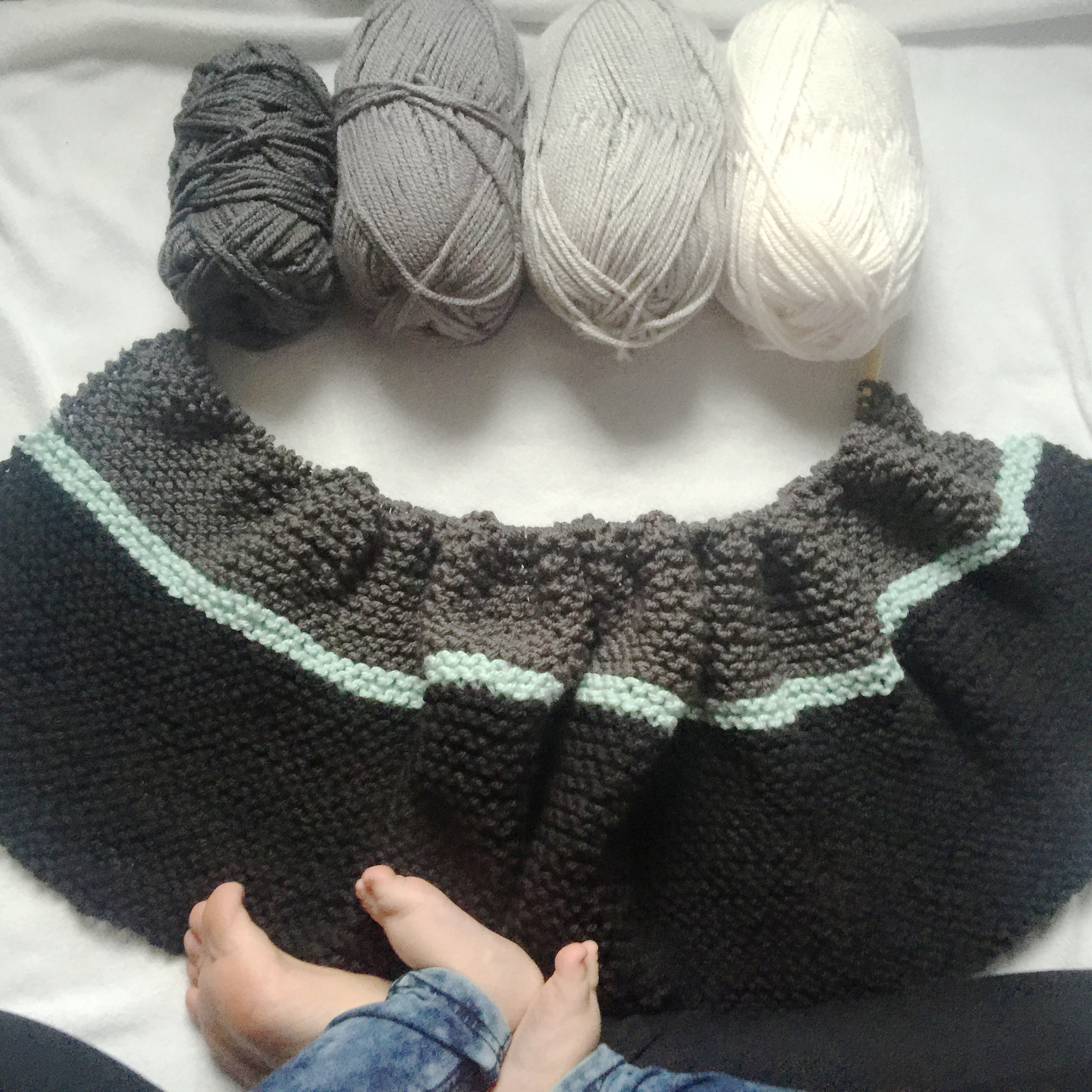 Knitting 101: How to do the knit stitch!
