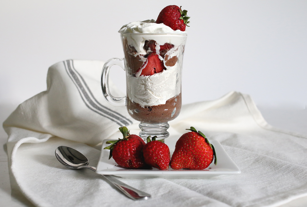 five-ingredient-easy-chocolate-mousse