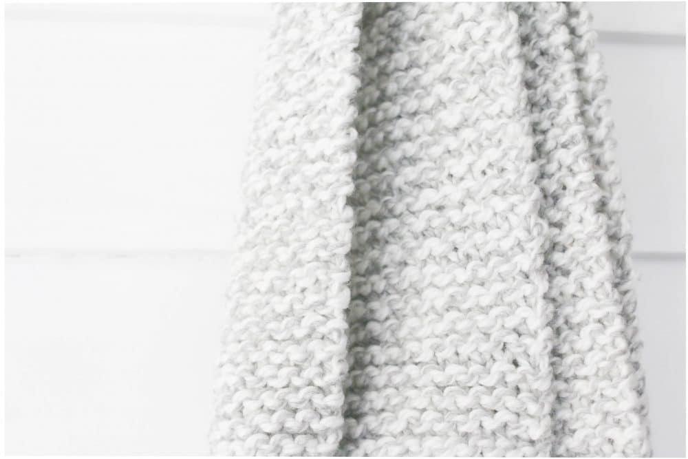 knit-large-pom-pom-scarf-three-different-ways-13