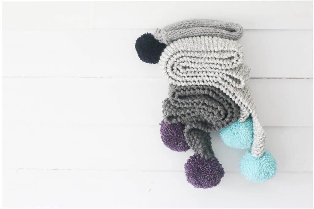 knit-large-pom-pom-scarf-three-different-ways-20