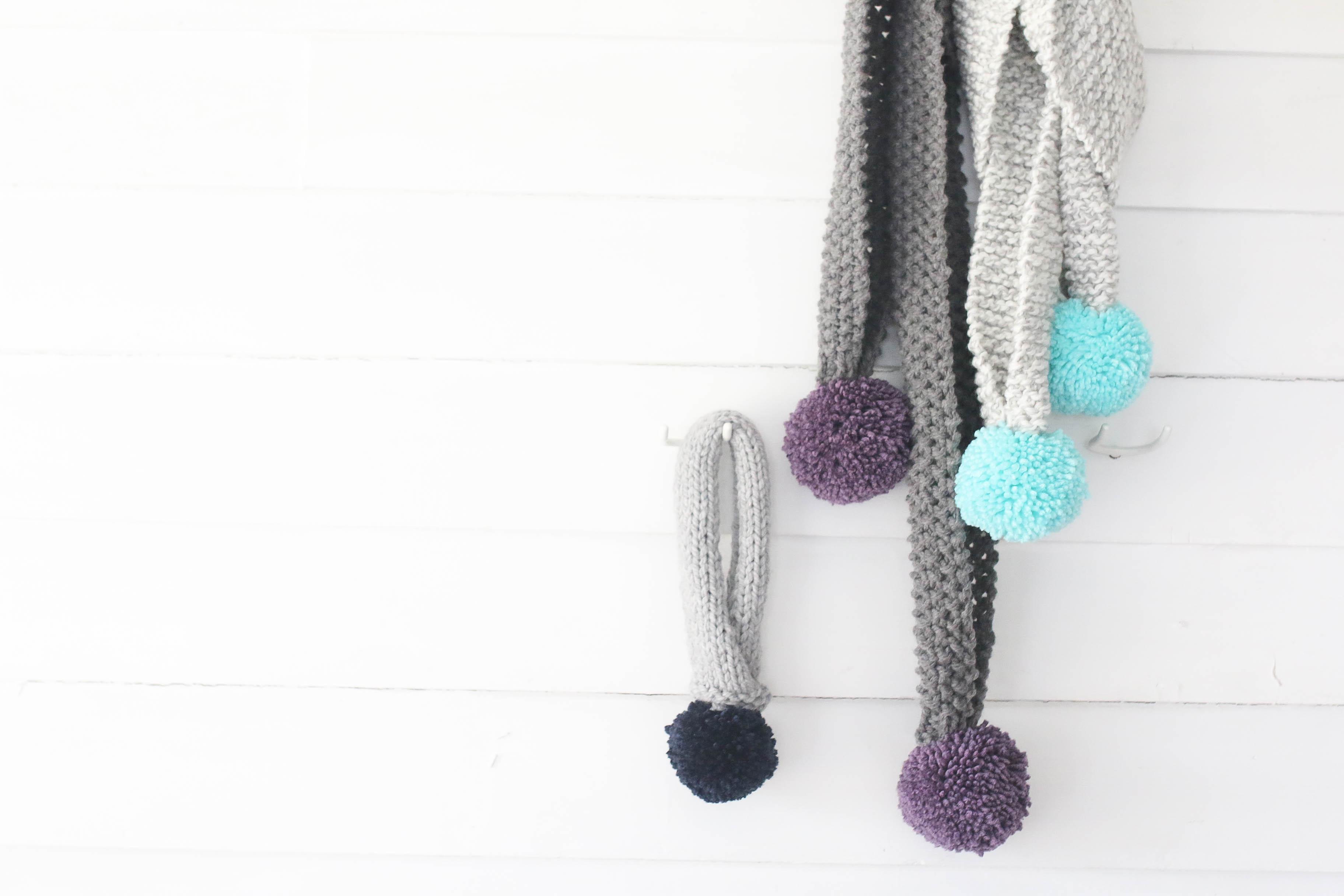knit-large-pom-pom-scarf-three-different-ways-4