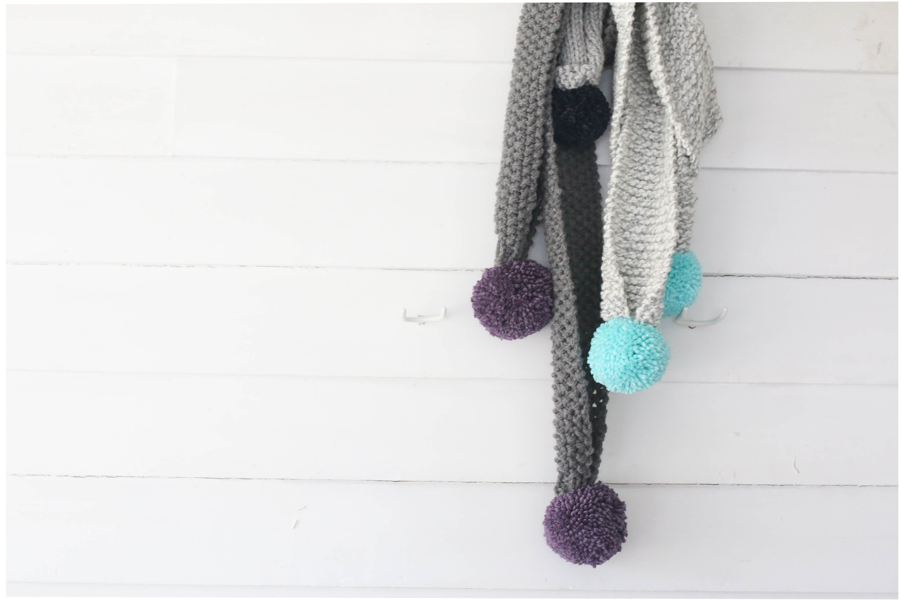 knit-large-pom-pom-scarf-three-different-ways-8
