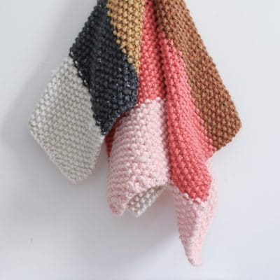 Quick and Easy Fall Seed Stitch Knit Throw or Baby Blanket – Free Pattern!