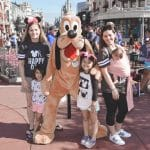 What to Wear to Disney for Moms