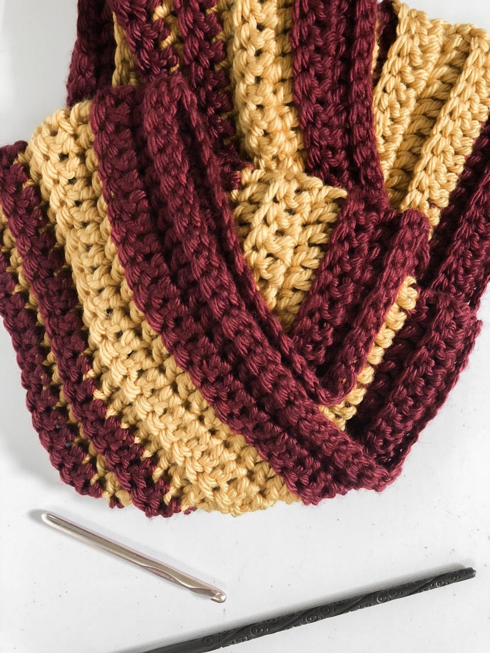 Quick And Easy Free Crochet Gryffindor Scarf Pattern The Sweeter