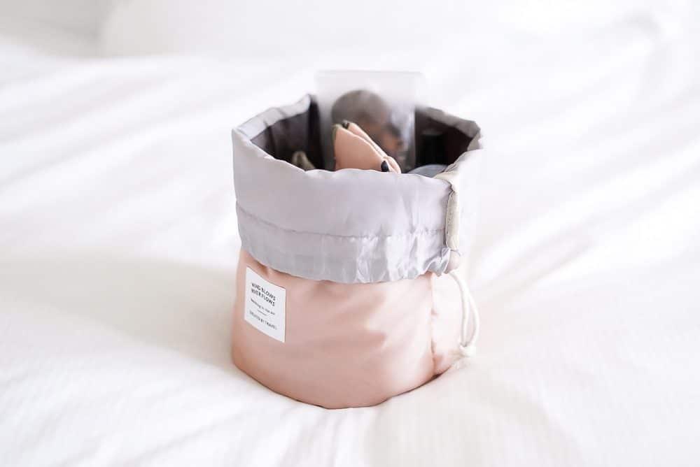 Cinch makeup bag