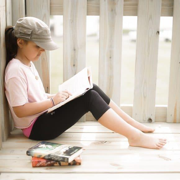 10 Ways to Nurture a Love of Reading in BIG KIDS